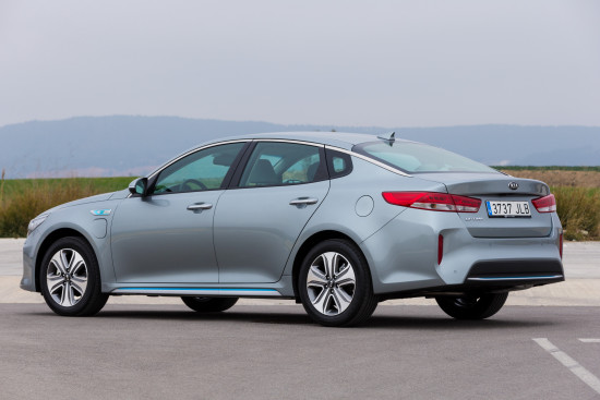kia optima plug-in hybrid - exterior 04