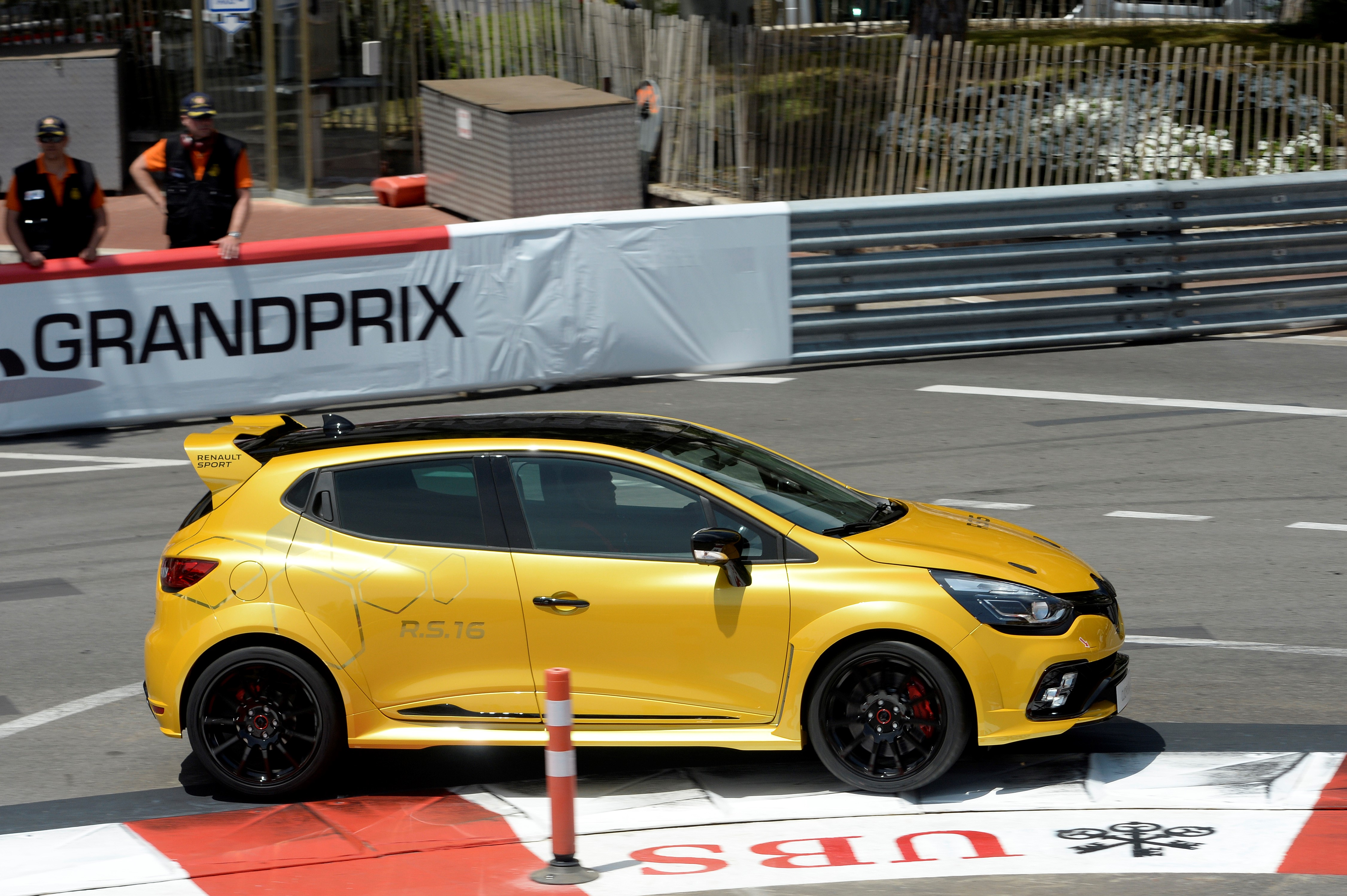 Renault Sport Clio RS16 na torze