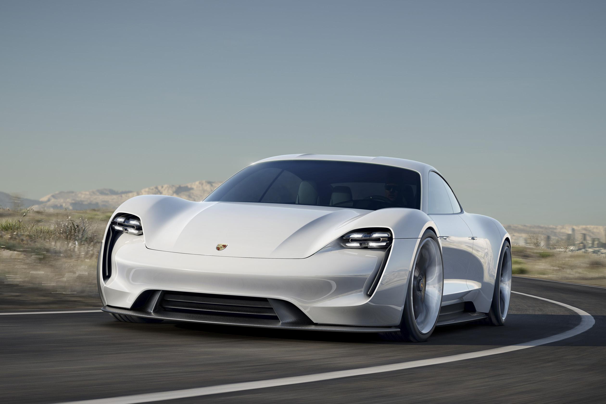 Porsche Mission E przód