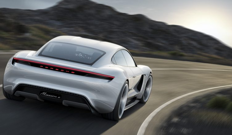 Porsche Mission E tył