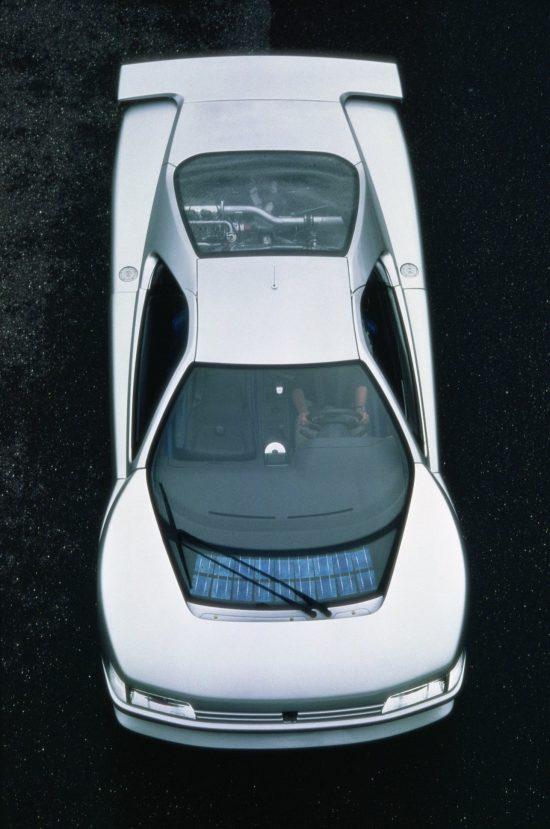 Peugeot Oxia - samochód z panelem fotowoltaicznym